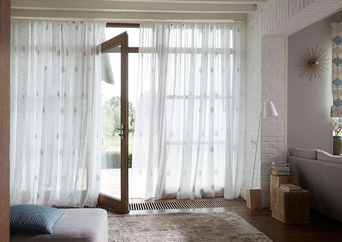 voilages voilage sur mesure pr t poser. Black Bedroom Furniture Sets. Home Design Ideas